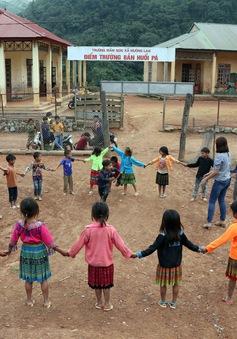 """Một ngày """"bám bản, bám trường"""" gieo chữ của các cô giáo vùng cao Sơn La"""