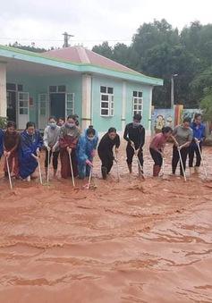 Hơn 100.000 học sinh Hà Tĩnh trở lại trường sau lũ