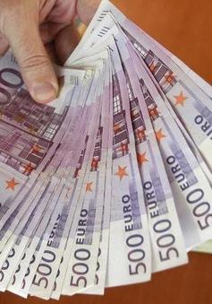Tình trạng lãi suất âm, nhà đầu tư châu Âu phải trả phí gửi tiền ở ngân hàng
