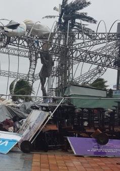 Thành phố Đà Nẵng tan hoang sau bão số 9