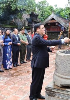 Đoàn đại biểu lãnh đạo thành phố Hà Nội dâng hương tại Cố đô Hoa Lư và Đền Đô