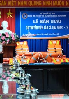 Cứu nạn thành công 39 thuyền viên tàu cá Quảng Nam gặp sự cố giữa biển