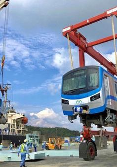 Đoàn tàu Metro số 1 cập bến TP.HCM