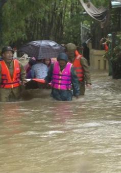 Huế di dời khẩn cấp người dân ra khỏi vùng ngập sâu nguy hiểm