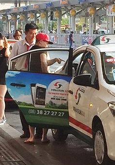 Sau khi phân làn xe đưa đón, ùn tắc ở sân bay Tân Sơn Nhất có giảm?