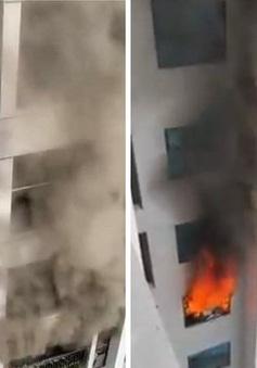 Hà Nội: Cháy chung cư, nhiều người bỏ chạy