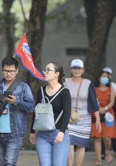 Người dân vẫn thờ ơ với mệnh lệnh đeo khẩu trang nơi công cộng