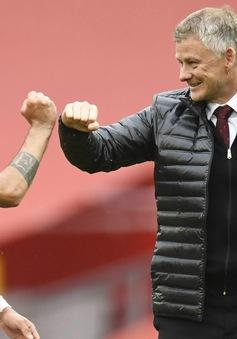 Fernandes lập kỷ lục, Man Utd tái lập kì tích thời Sir Alex