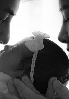 Đông Nhi khoe ảnh và tên của con gái nhân kỷ niệm 1 năm ngày cưới