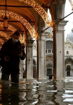 Thành phố nổi tiếng Venice (Italy) chìm trong biển nước