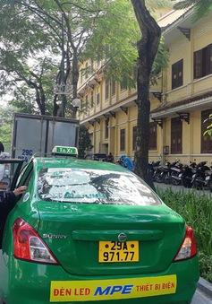Hà Nội nghiên cứu mở thêm điểm dừng đỗ dành riêng cho taxi