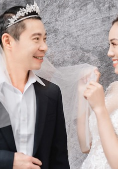 Ảnh cưới hài hước và ngọt ngào của NSND Công Lý