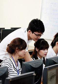 Trường hợp nào được miễn thi ngoại ngữ, tin học khi thi tuyển công chức?