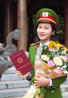 Nữ thủ khoa kép Học viện Cảnh sát nhân dân tốt nghiệp loại xuất sắc, được thăng hàm vượt cấp