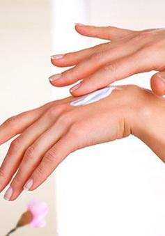 Bí quyết giúp da tay mịn màng trong thời tiết hanh khô