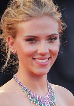 """""""Goá phụ đen"""" Scarlett Johansson là nữ diễn viên có thù lao cao nhất thế giới 2 năm liên tiếp"""