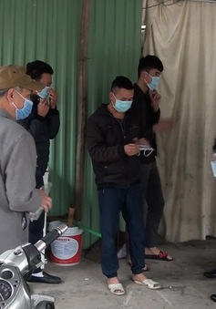 Quảng Ninh: Tặng khẩu trang miễn phí cho nhân dân cửa khẩu Móng Cái