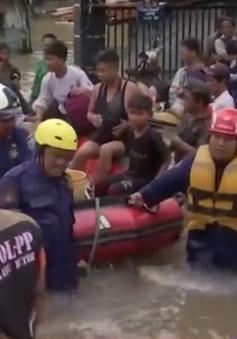 Mưa lớn gây ngập lụt trên diện rộng tại thủ đô Indonesia