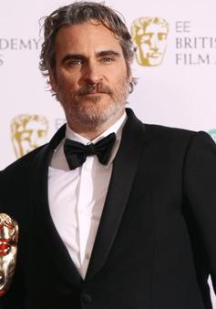 Nhận giải BAFTA, Joaquin Phoenix chỉ trích ngành điện ảnh phân biệt chủng tộc
