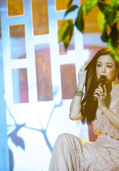 Được ba mẹ cưng chiều khi ở Việt Nam, ca sĩ Như Hảo vẫn phải bươn chải vất vả nơi xứ người