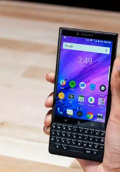 """Kết thúc lương duyên cùng TCL, """"cáo chung"""" cho smartphone BlackBerry"""
