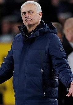 HLV Mourinho vừa xác lập kỷ lục buồn nhất sự nghiệp