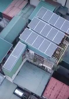 Tiết kiệm tiền điện với pin năng lượng mặt trời áp mái