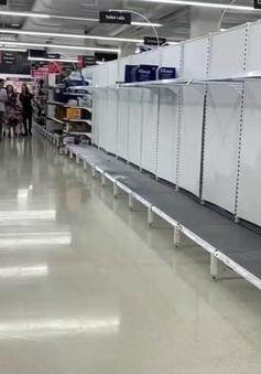 Hai chuỗi siêu thị lớn nhất Australia hạn chế khách hàng mua đồ tích trữ