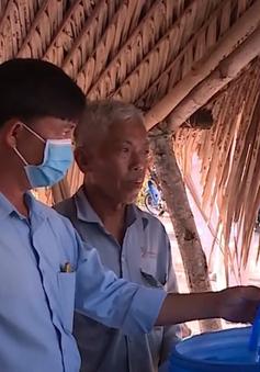 Bộ đội Biên phòng cấp nước ngọt cho người dân vùng hạn mặn