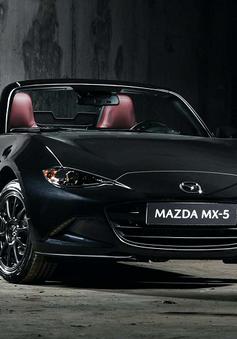 Huyền thoại Mazda MX-5 Eunos Edition đen ma mị, đẹp ngỡ ngàng