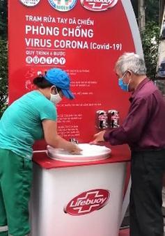 Lắp đặt trạm rửa tay dã chiến chống dịch COVID-19