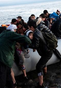 Hy Lạp bị tố bắn, đâm chìm xuồng chở người di cư
