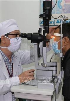 Cơ hội thoát mù từ kỹ thuật mới trong điều trị bệnh thiên đầu thống