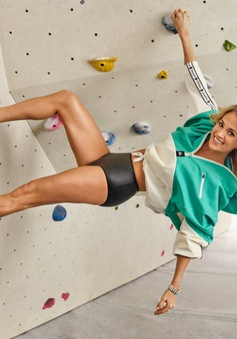 Khoe thân hình rắn chắc, Carrie Underwood khiến người hâm mộ ngỡ ngàng