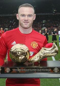 Neville bật mí việc Rooney suýt bị Man Utd rao bán
