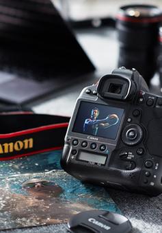 Canon dẫn đầu thị trường máy ảnh số dùng ống kính chuyển đổi