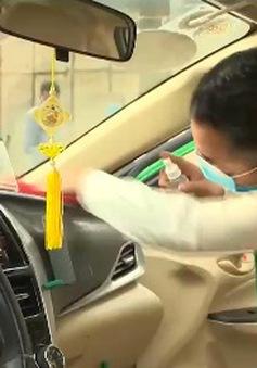 Cuộc sống của các lái xe taxi sau nới lỏng giãn cách xã hội