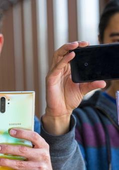 Vì sao giá smartphone ngày càng trở nên đắt đỏ?