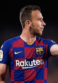 Cạn tiền, Barcelona cạn tình với ngôi sao tha thiết ở lại