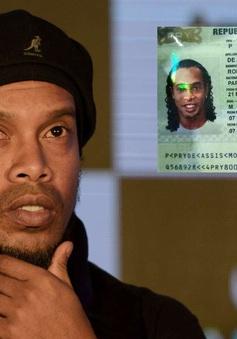 Ronaldinho được ra tù sau 32 ngày giam giữ tại Paraguay