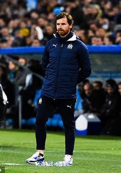 Andre Villas-Boas trên đường rời khỏi Marseille
