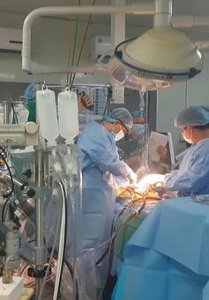 Ca ghép tạng xuyên Việt: Chuyển hai lá gan trong đêm từ Hà Nội vào TP.HCM để ghép cho bệnh nhân xơ gan
