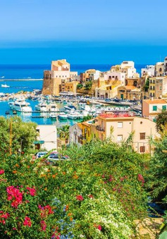 Hậu COVID-19, đảo Sicily (Italy) hỗ trợ nửa giá vé máy bay cho du khách