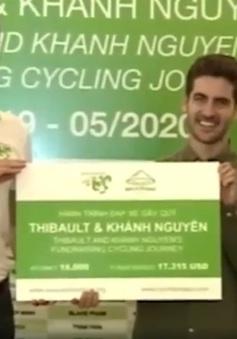 Đạp xe 16.000km quyên góp 400 triệu VND tặng trẻ em nghèo Việt Nam