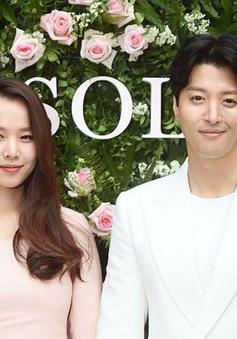 Lee Dong Gun - Jo Yoon Hee ly hôn do quá nhiều bất đồng