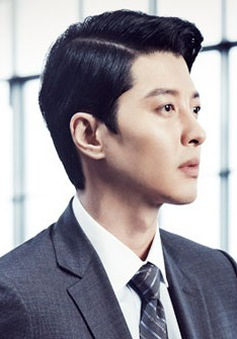 Vừa tuyên bố ly hôn, Lee Dong Gun đã tính chuyện trở lại với điện ảnh