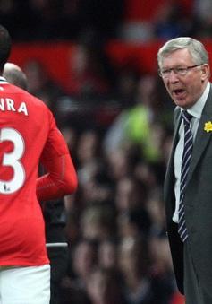 """Evra tiết lộ kỷ niệm bị Sir Alex """"sấy"""""""