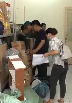 Hàng trăm tình nguyện viên hỗ trợ bàn giao ký túc xá cho sinh viên