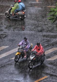 Hà Nội tiếp tục mưa giải nhiệt, Bắc Bộ và Bắc Trung Bộ có mưa dông