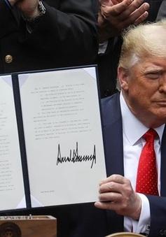 Tổng thống Mỹ ký sắc lệnh cải tổ lực lượng cảnh sát